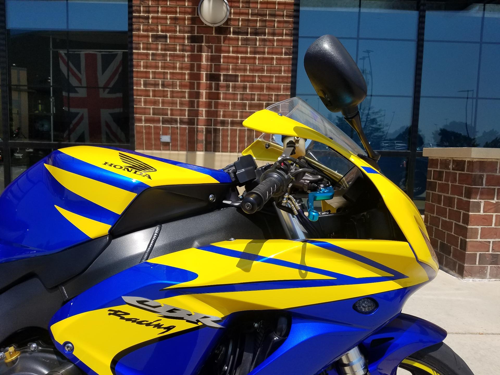 2006 Honda CBR1000RR 11