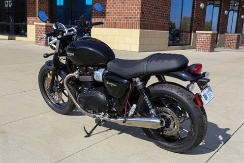 2017 Triumph Street Twin in Saint Charles, Illinois