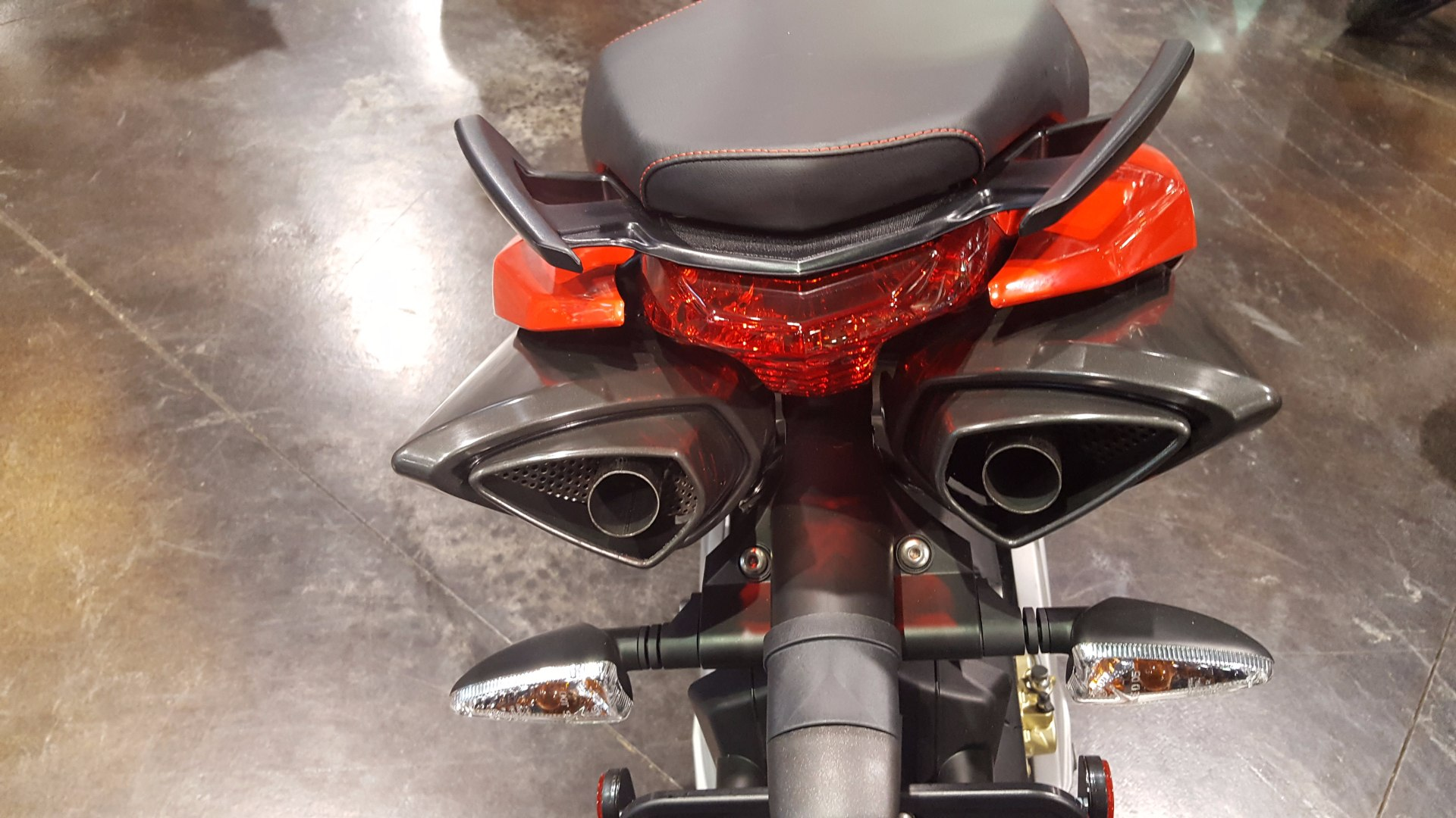 2016 Aprilia Shiver 750 in Saint Charles, Illinois