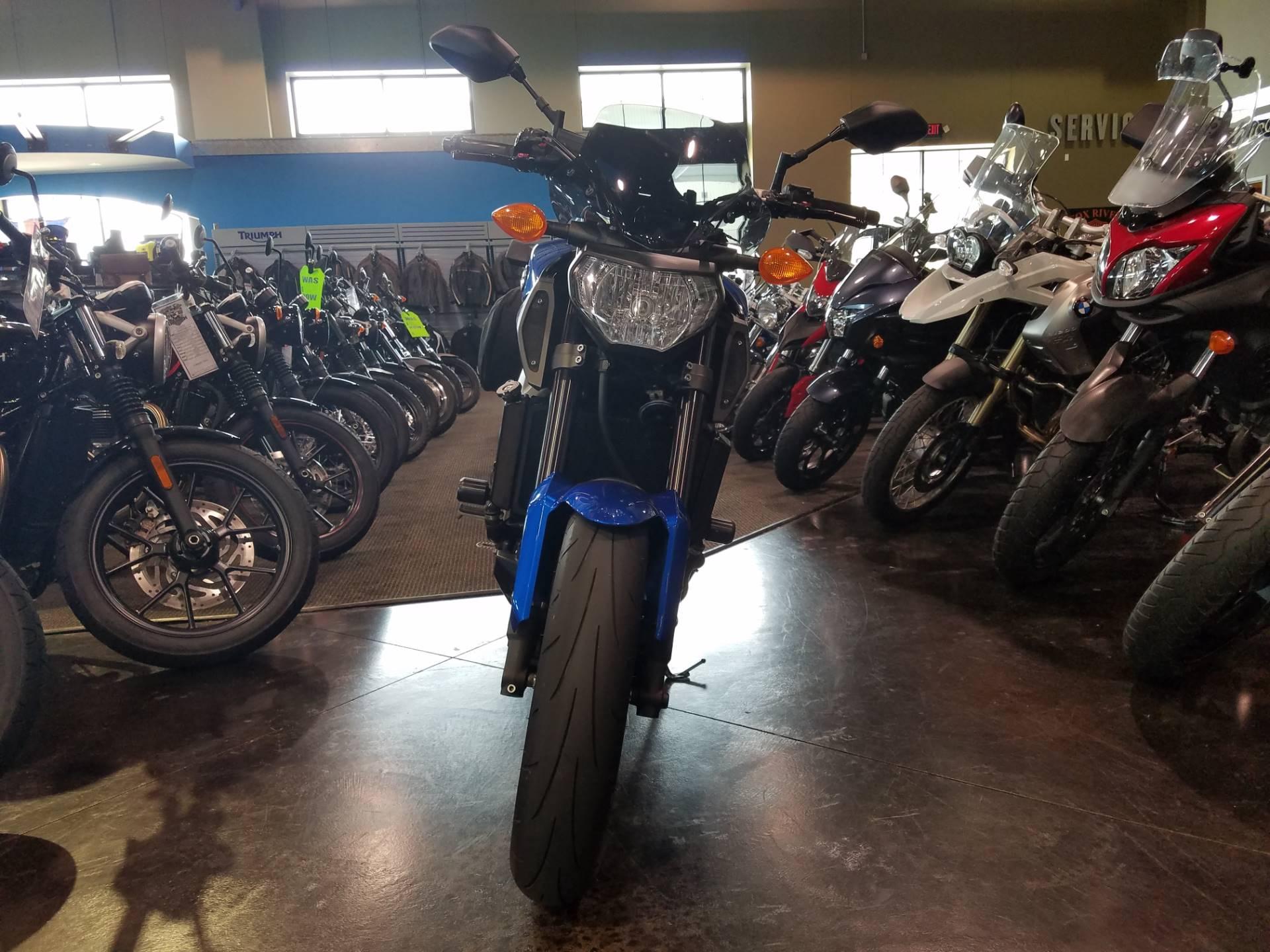 2016 Yamaha FZ-09 12
