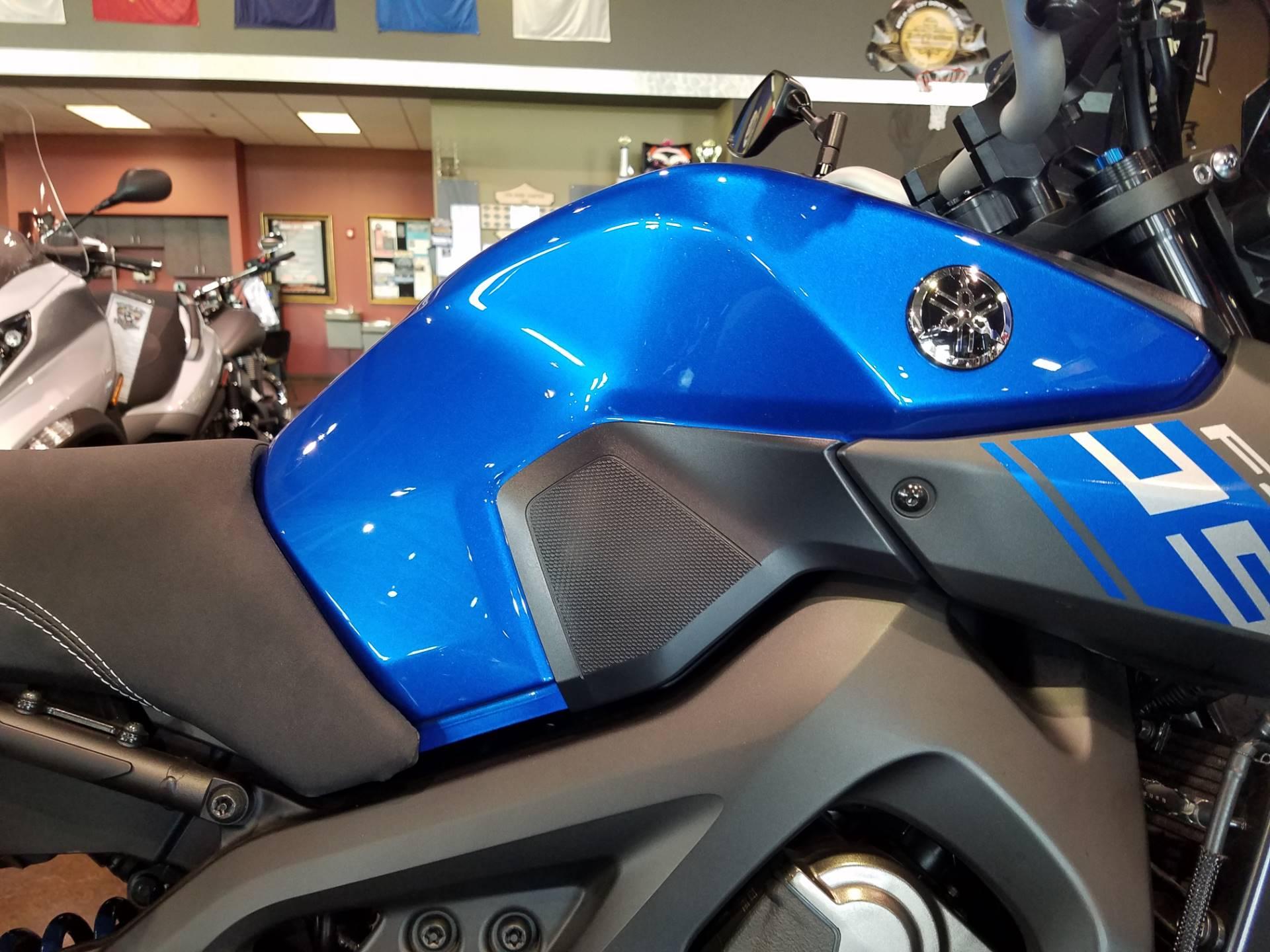 2016 Yamaha FZ-09 7