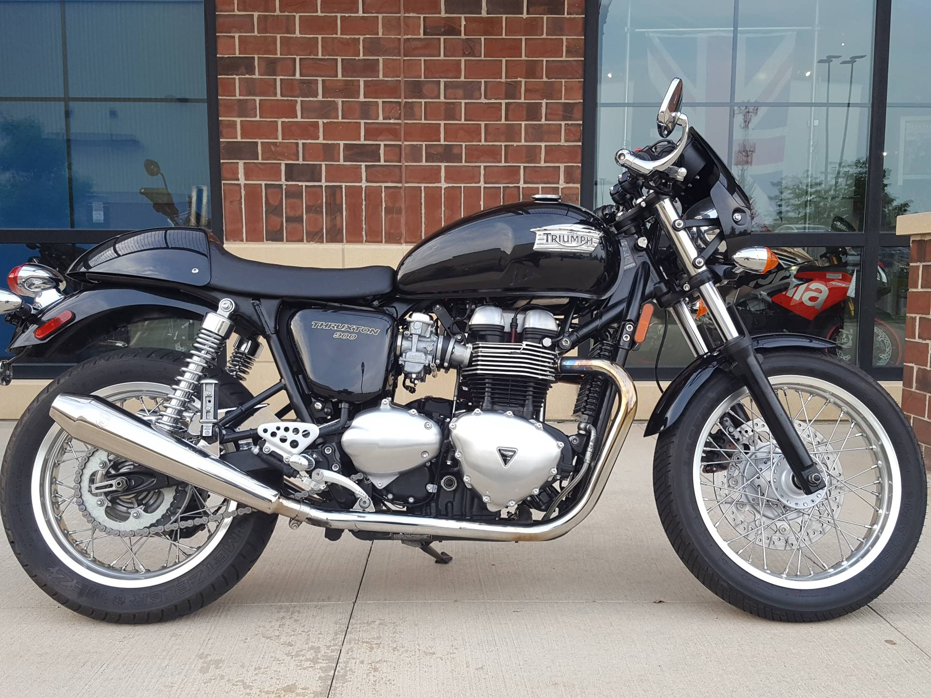 2014 Triumph Thruxton in Saint Charles, Illinois