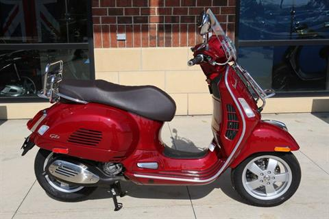 2018 Vespa GTS 300 Touring in Saint Charles, Illinois