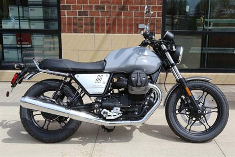2018 Moto Guzzi V7 III Milano in Saint Charles, Illinois - Photo 3