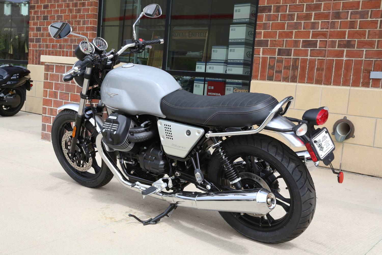 2018 Moto Guzzi V7 III Milano in Saint Charles, Illinois - Photo 7