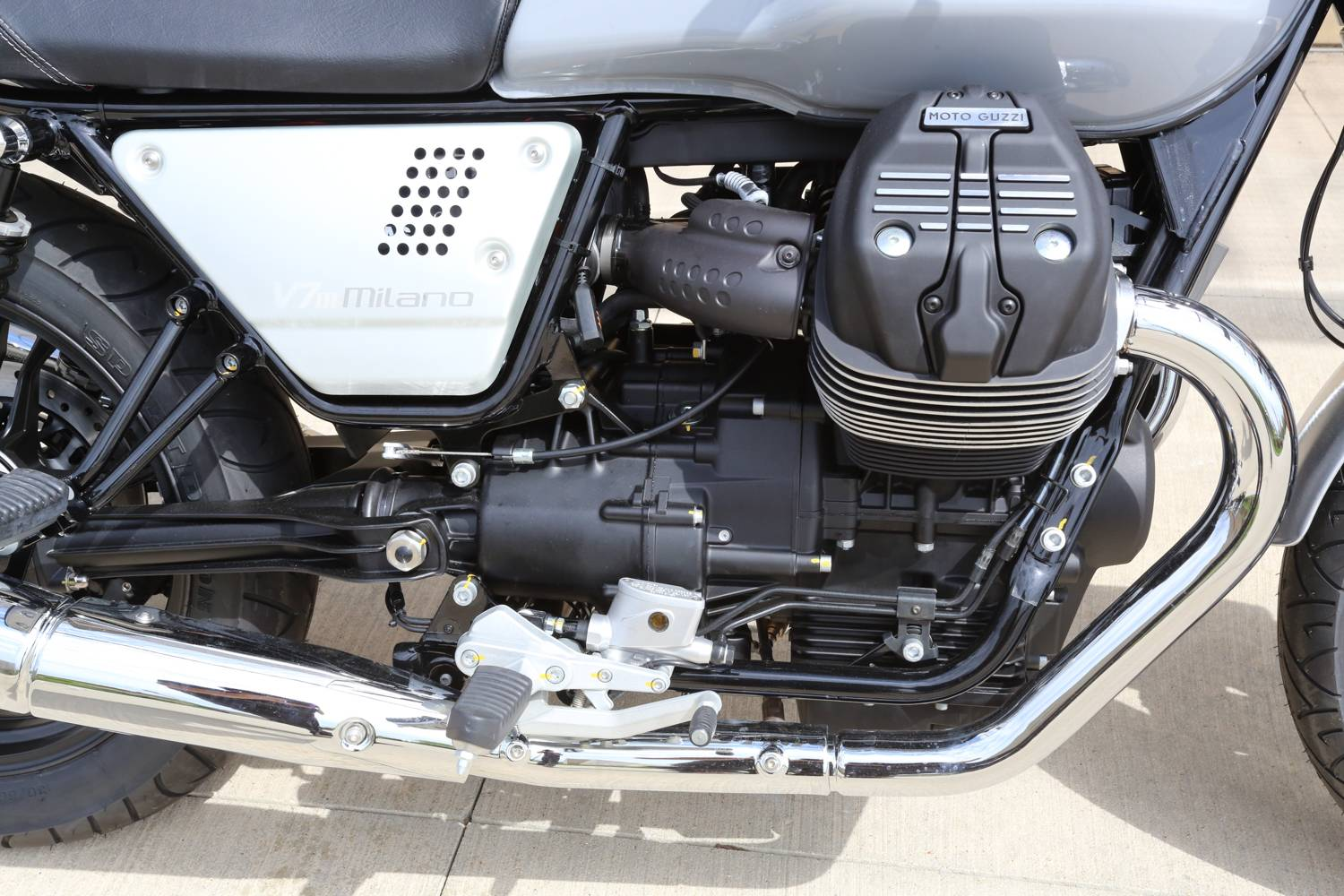 2018 Moto Guzzi V7 III Milano in Saint Charles, Illinois - Photo 8