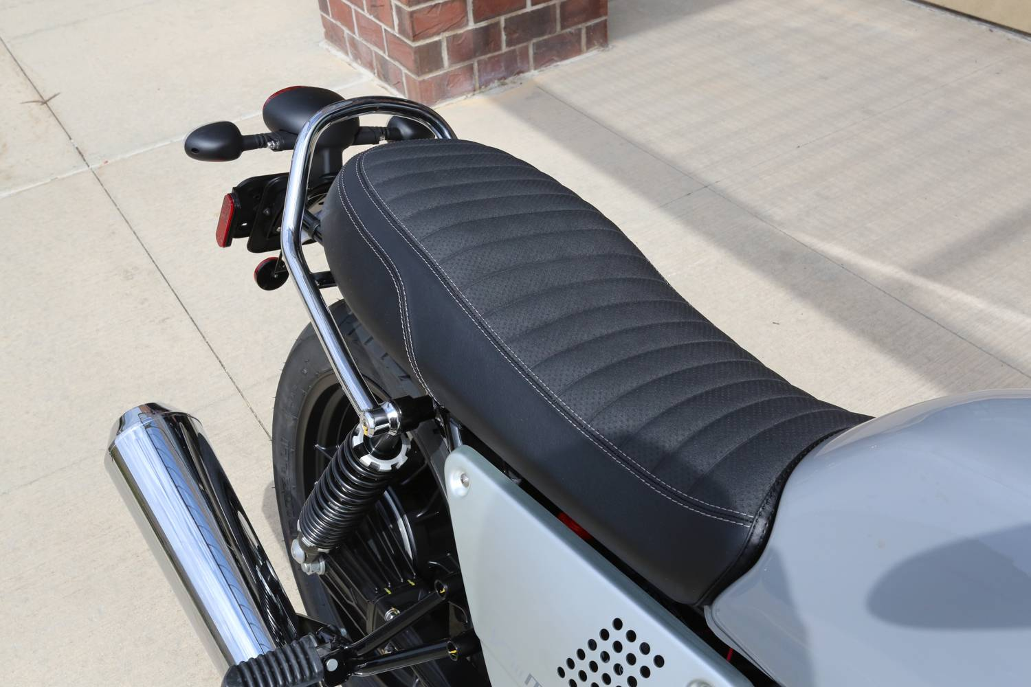 2018 Moto Guzzi V7 III Milano in Saint Charles, Illinois - Photo 12