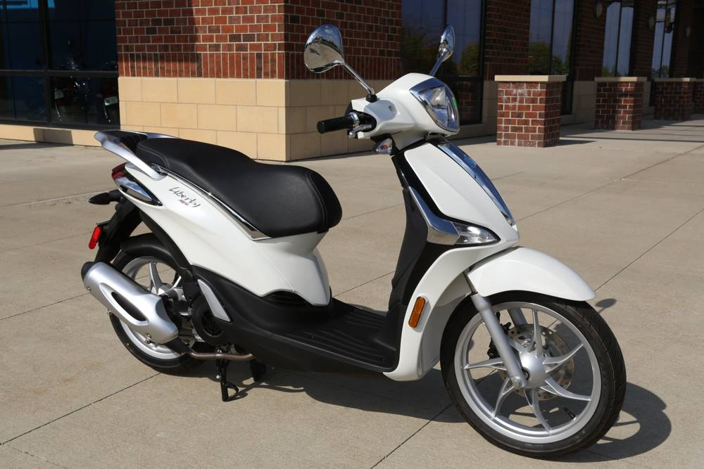 2019 Piaggio Liberty 150 in Saint Charles, Illinois