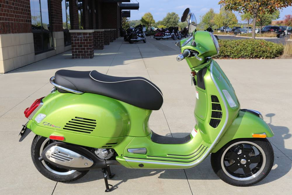 2018 vespa gts super 300 scooters saint charles illinois. Black Bedroom Furniture Sets. Home Design Ideas