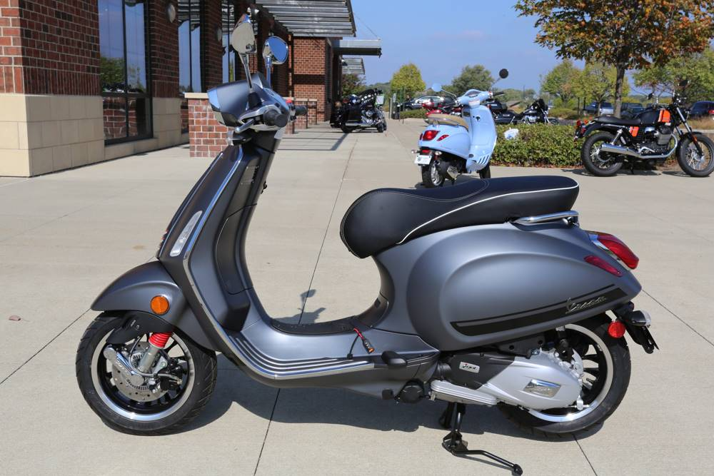 2017 Vespa Sprint S 150 in Saint Charles, Illinois