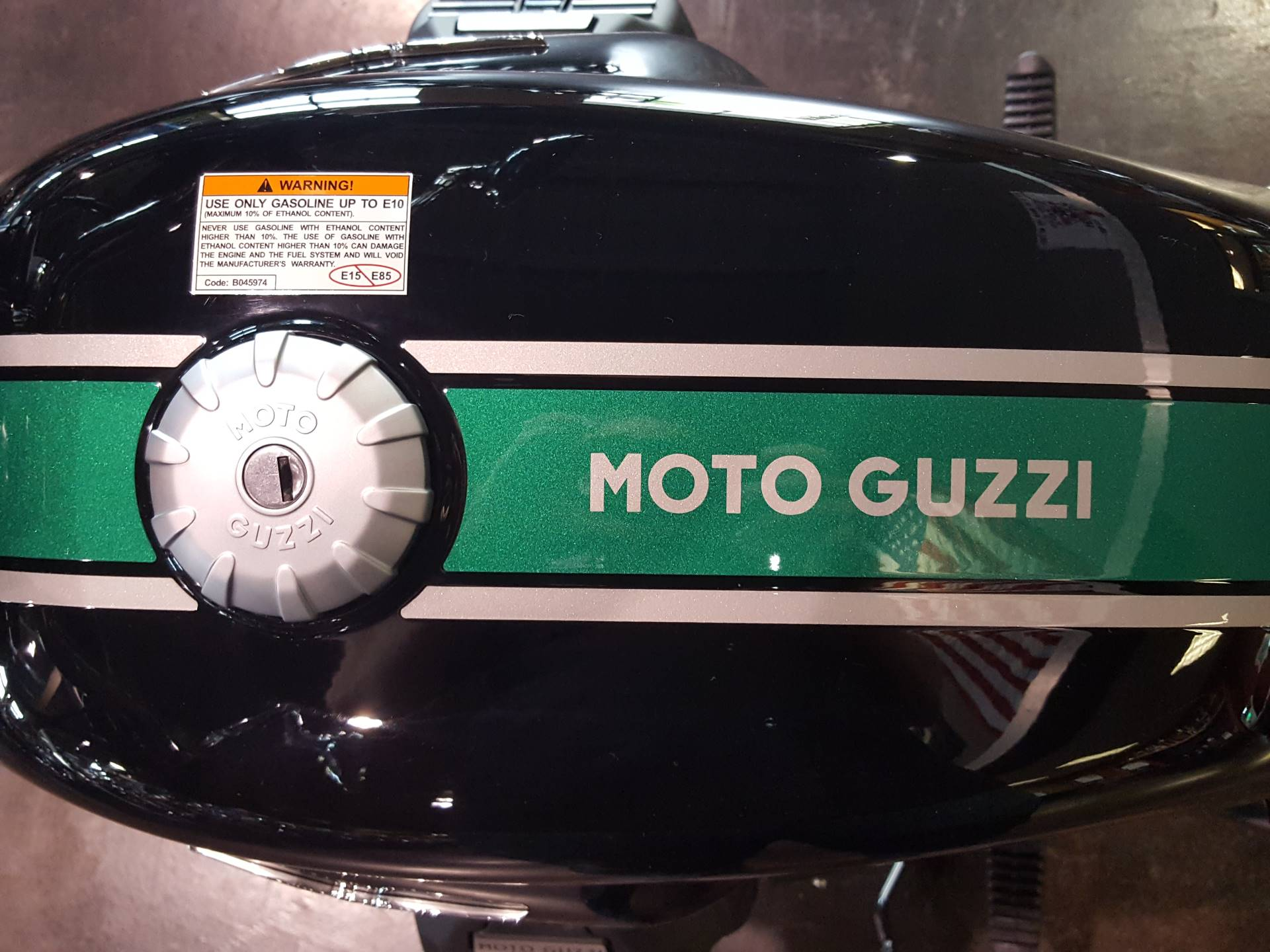 2018 Moto Guzzi V7 III Special ABS in Saint Charles, Illinois