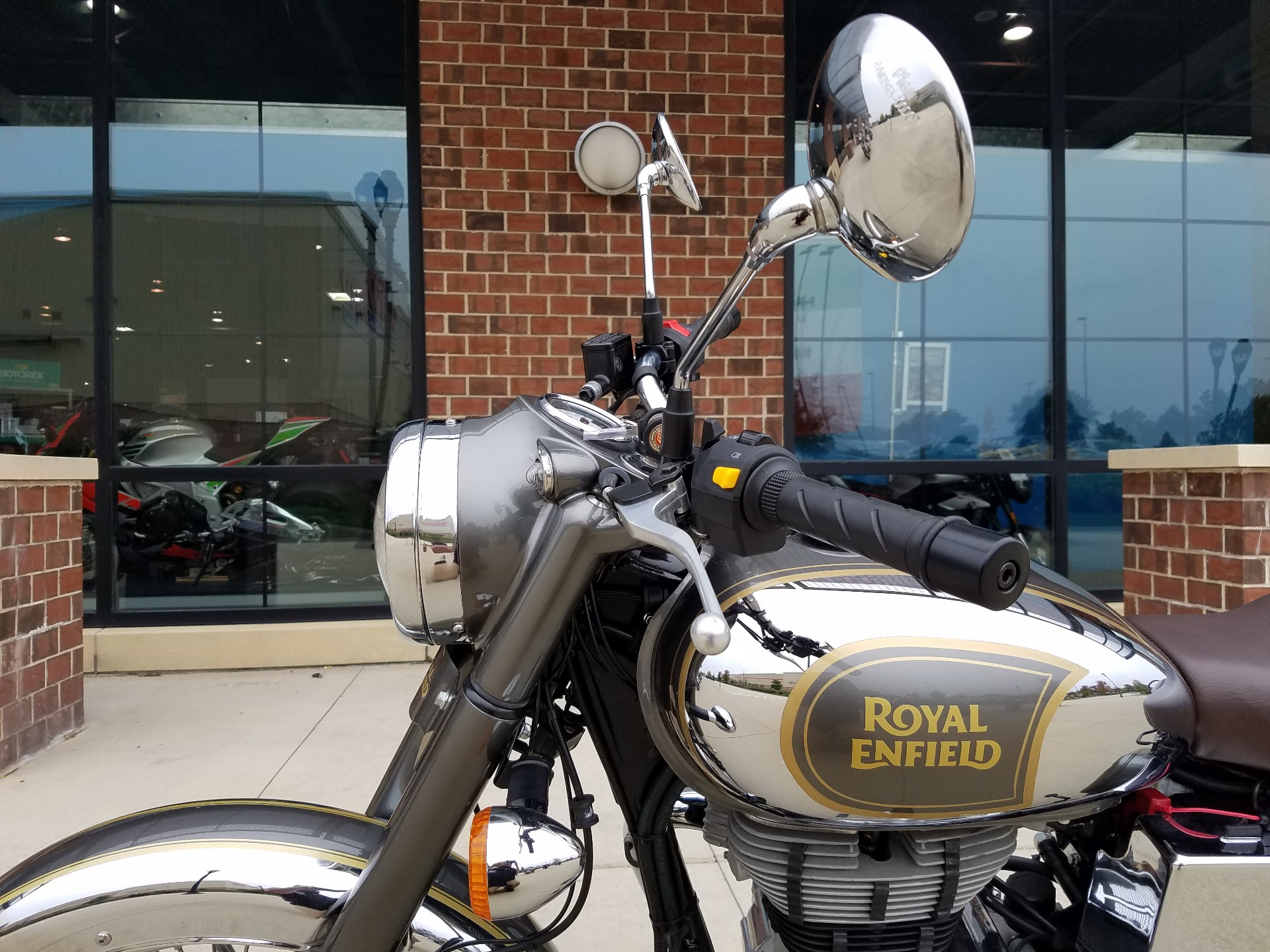 2018 Royal Enfield Classic Chrome ABS in Saint Charles, Illinois
