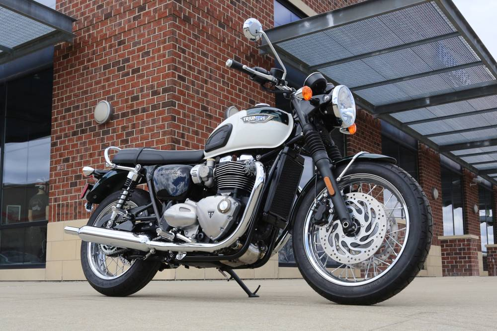 2018 Triumph Bonneville T120 in Saint Charles, Illinois - Photo 3