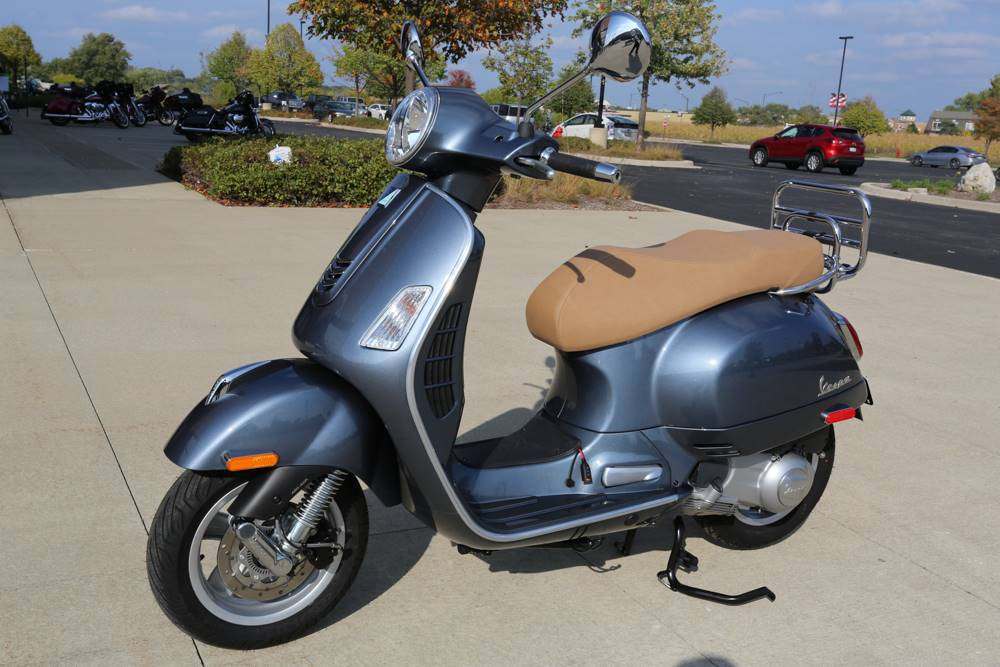 2018 Vespa GTS Super Sport 300 in Saint Charles, Illinois