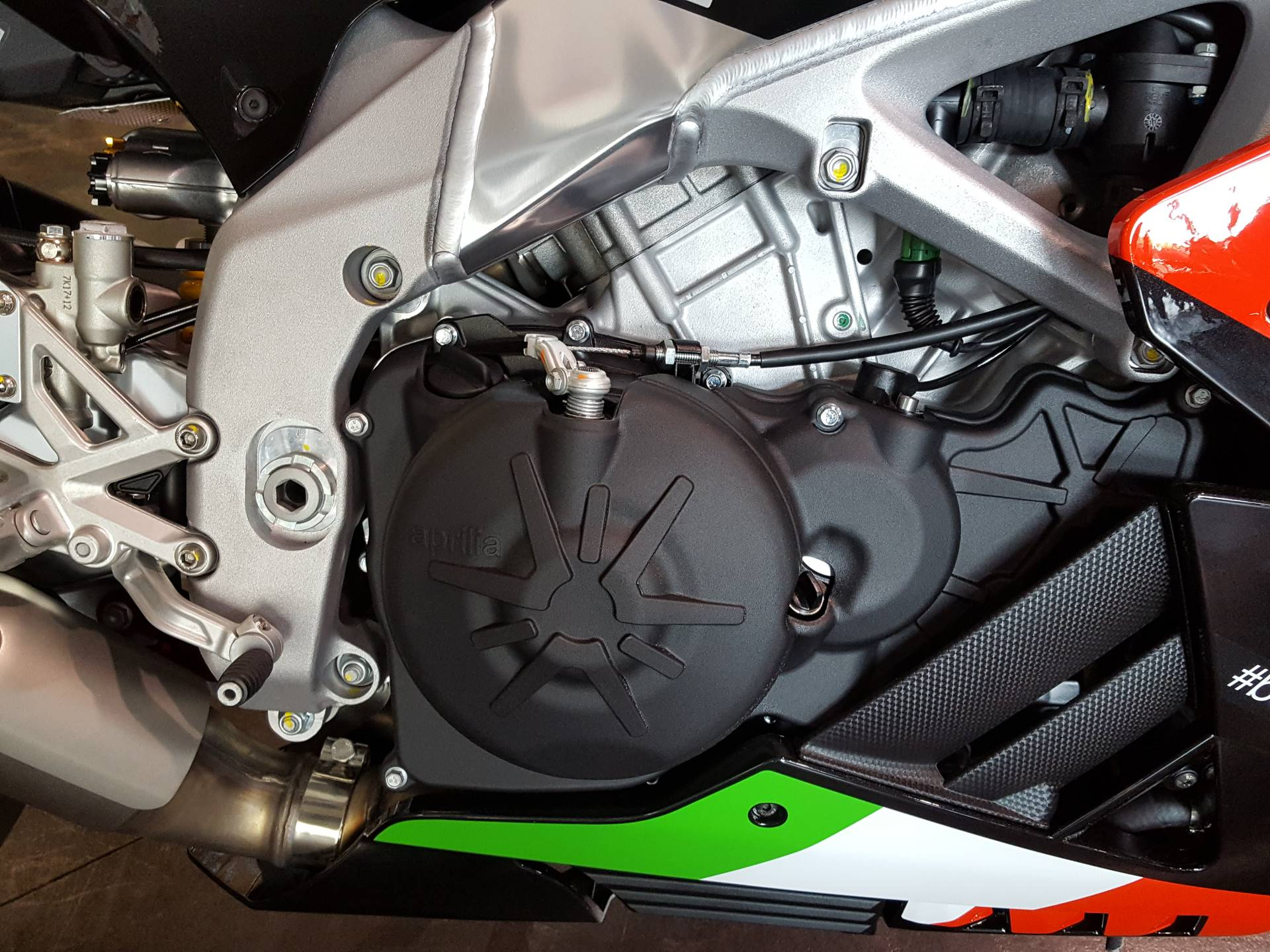 2018 Aprilia RSV4 RF in Saint Charles, Illinois - Photo 8