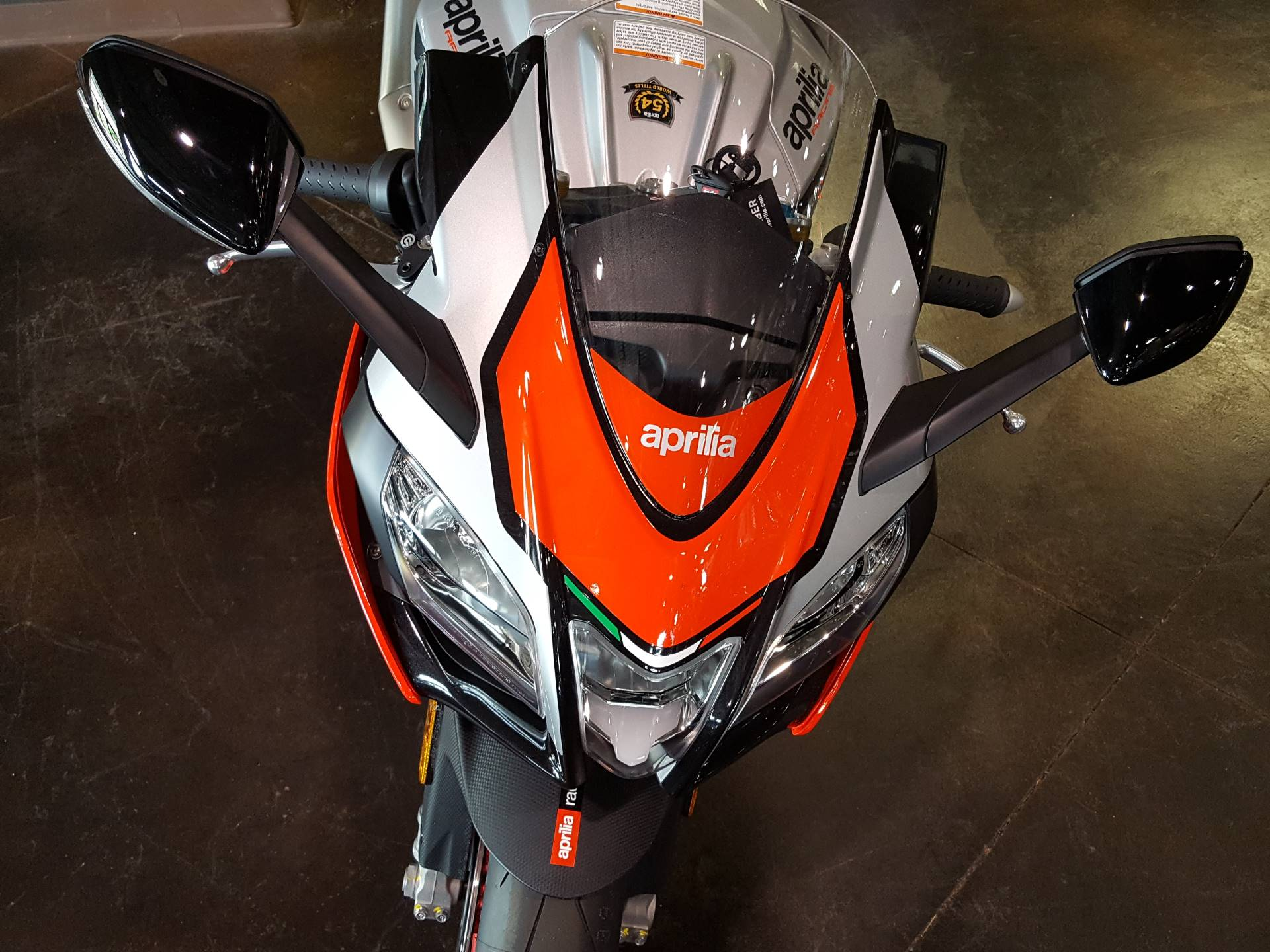 2018 Aprilia RSV4 RF in Saint Charles, Illinois - Photo 7