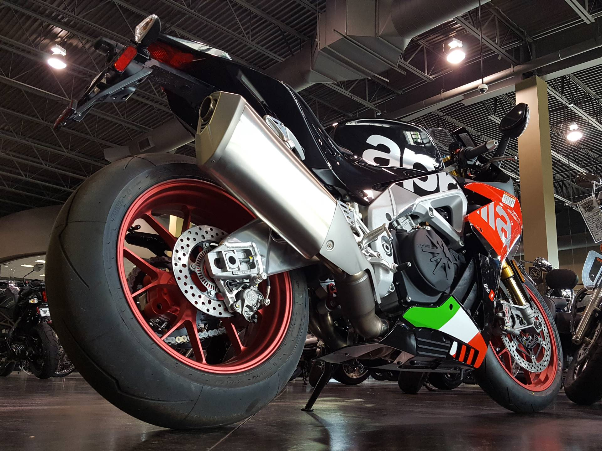 2018 Aprilia RSV4 RF in Saint Charles, Illinois - Photo 4