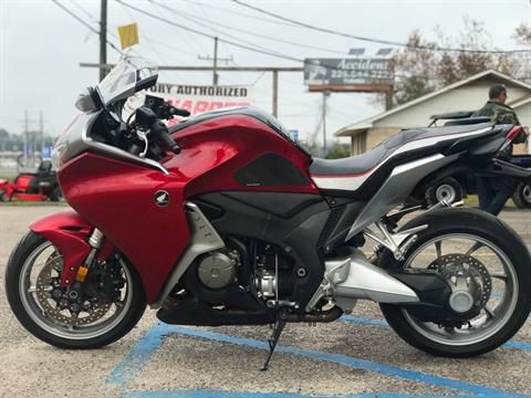 2010 Honda VFR1200 in Gonzales, Louisiana - Photo 2