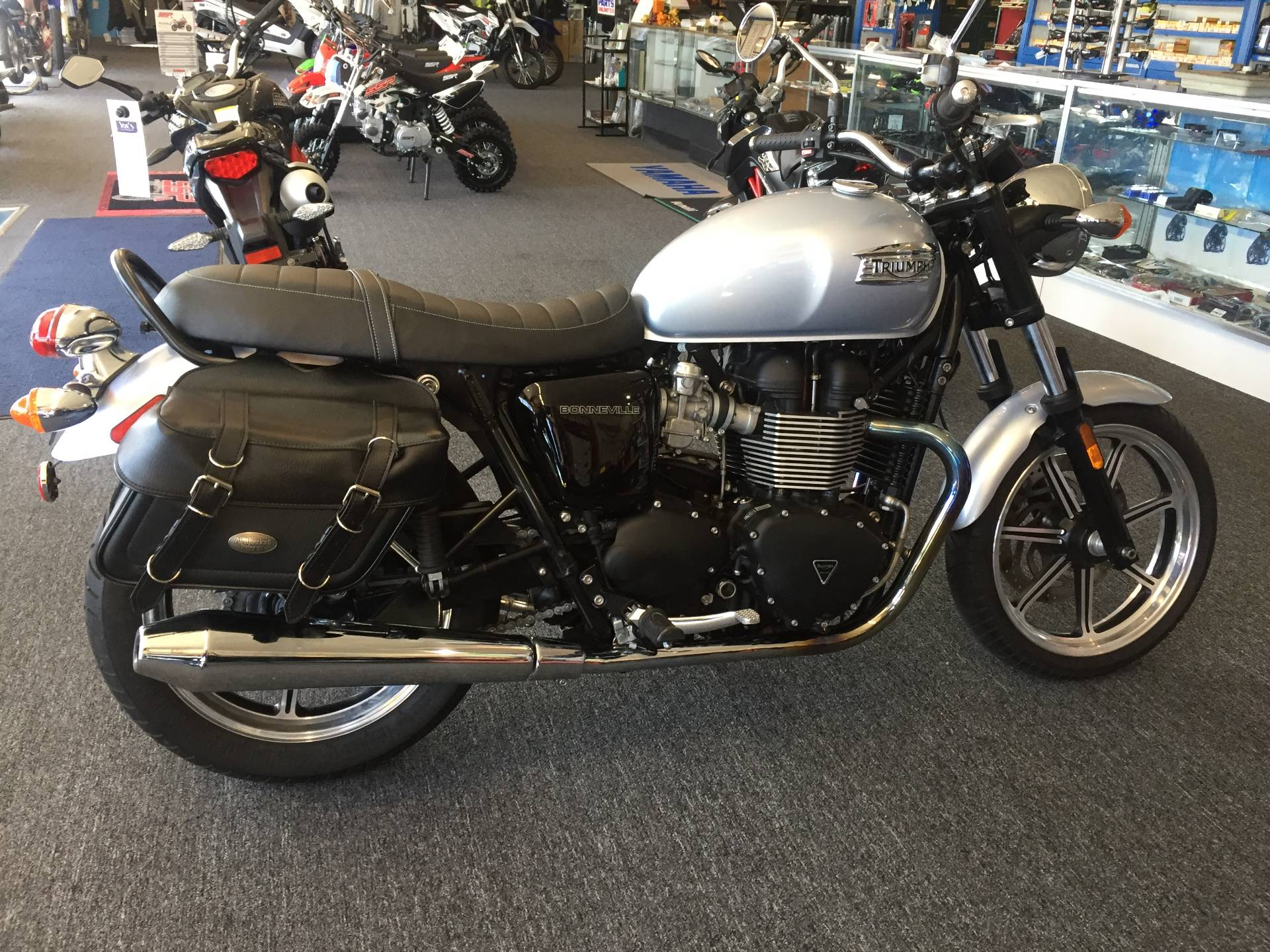 2015 Triumph Bonneville in Dayton, Ohio - Photo 2