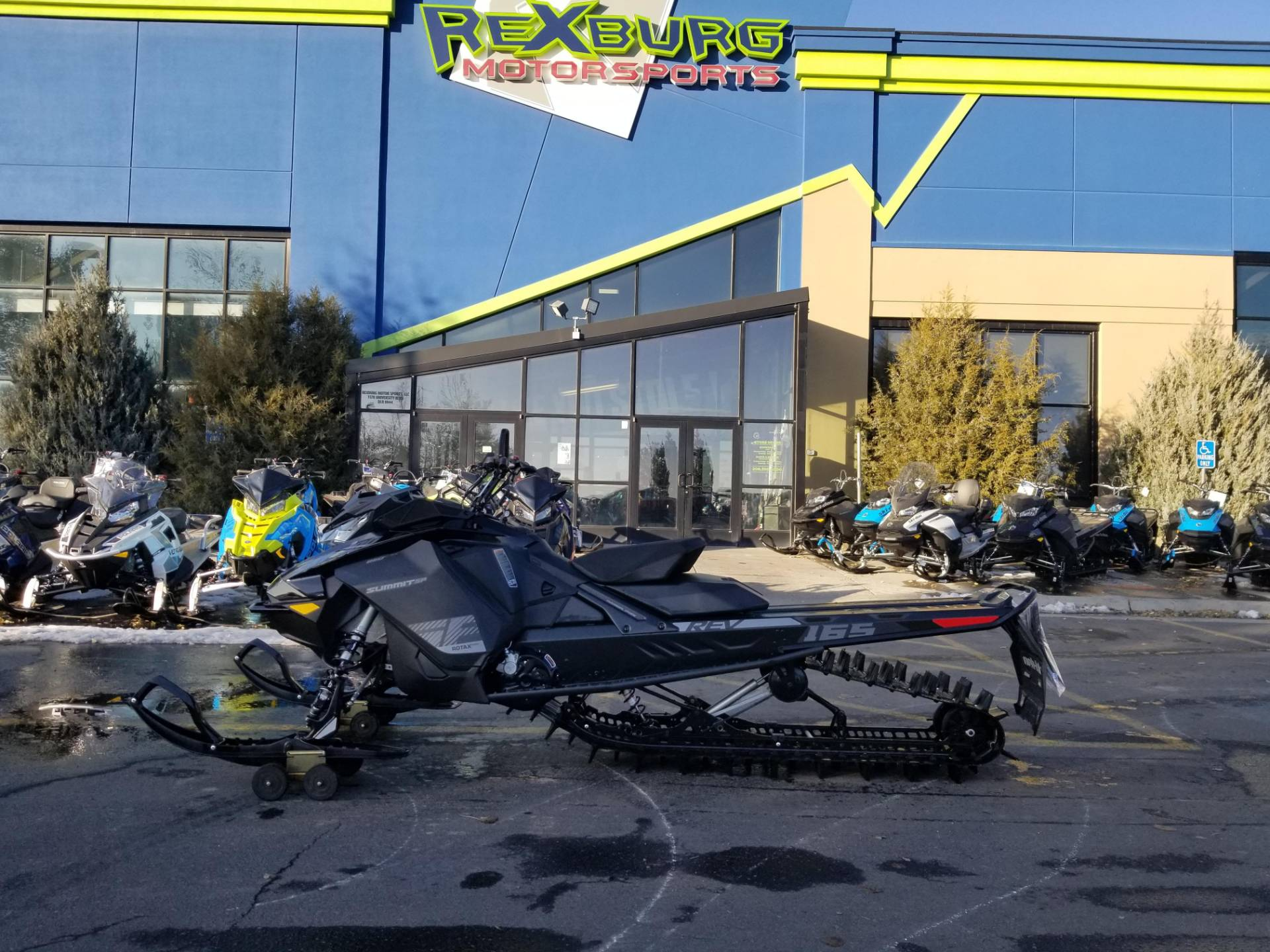 2020 Ski-Doo Summit SP 165 850 E-TEC PowderMax Light 3.0 w/ FlexEdge in Rexburg, Idaho - Photo 1
