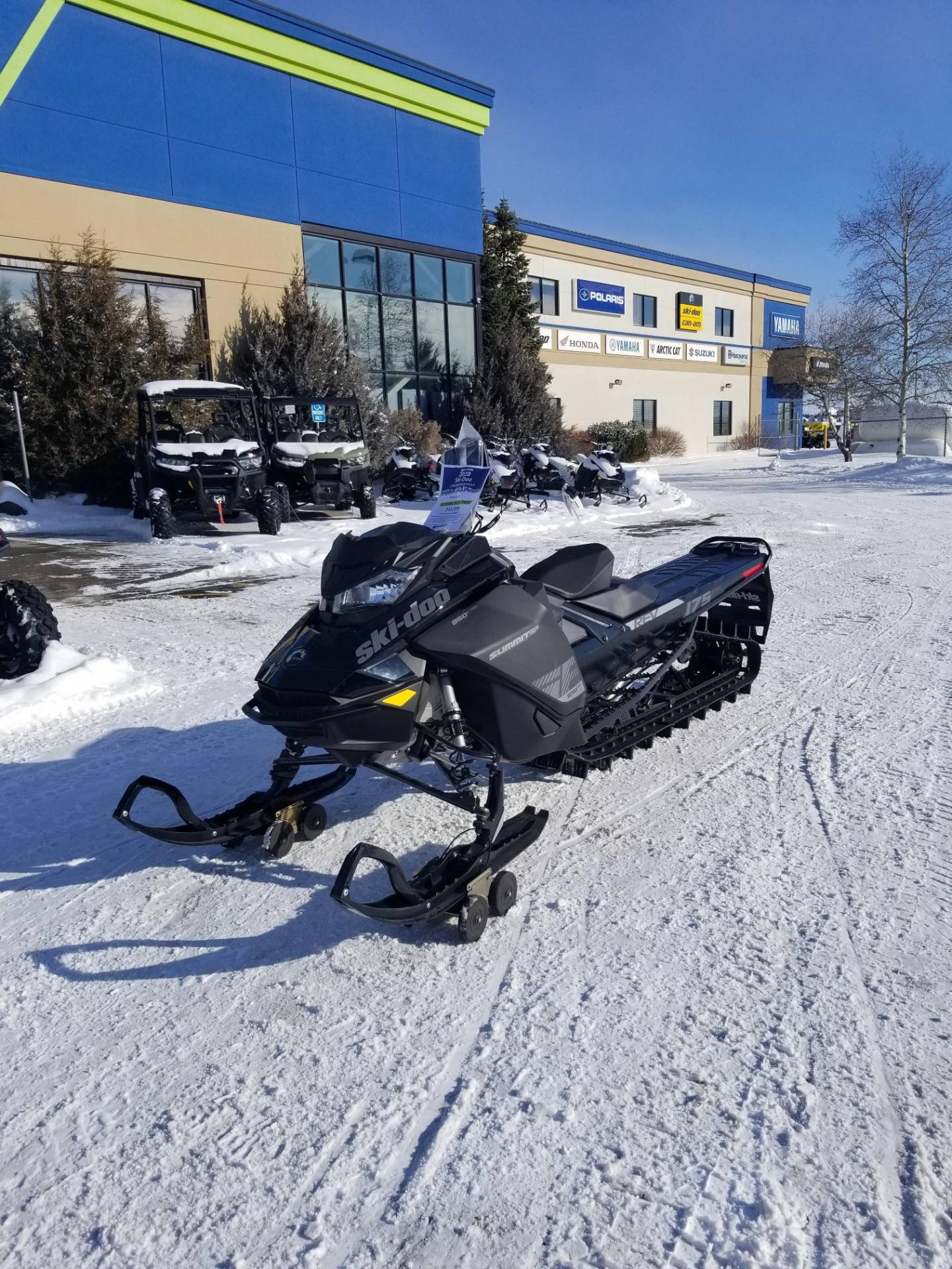 2020 Ski-Doo Summit SP 175 850 E-TEC PowderMax Light 3.0 w/ FlexEdge in Rexburg, Idaho - Photo 2