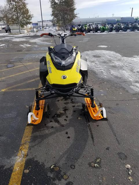 2018 Ski-Doo Summit SP 165 850 E-TEC SS, PowderMax Light 3.0 in Rexburg, Idaho - Photo 4