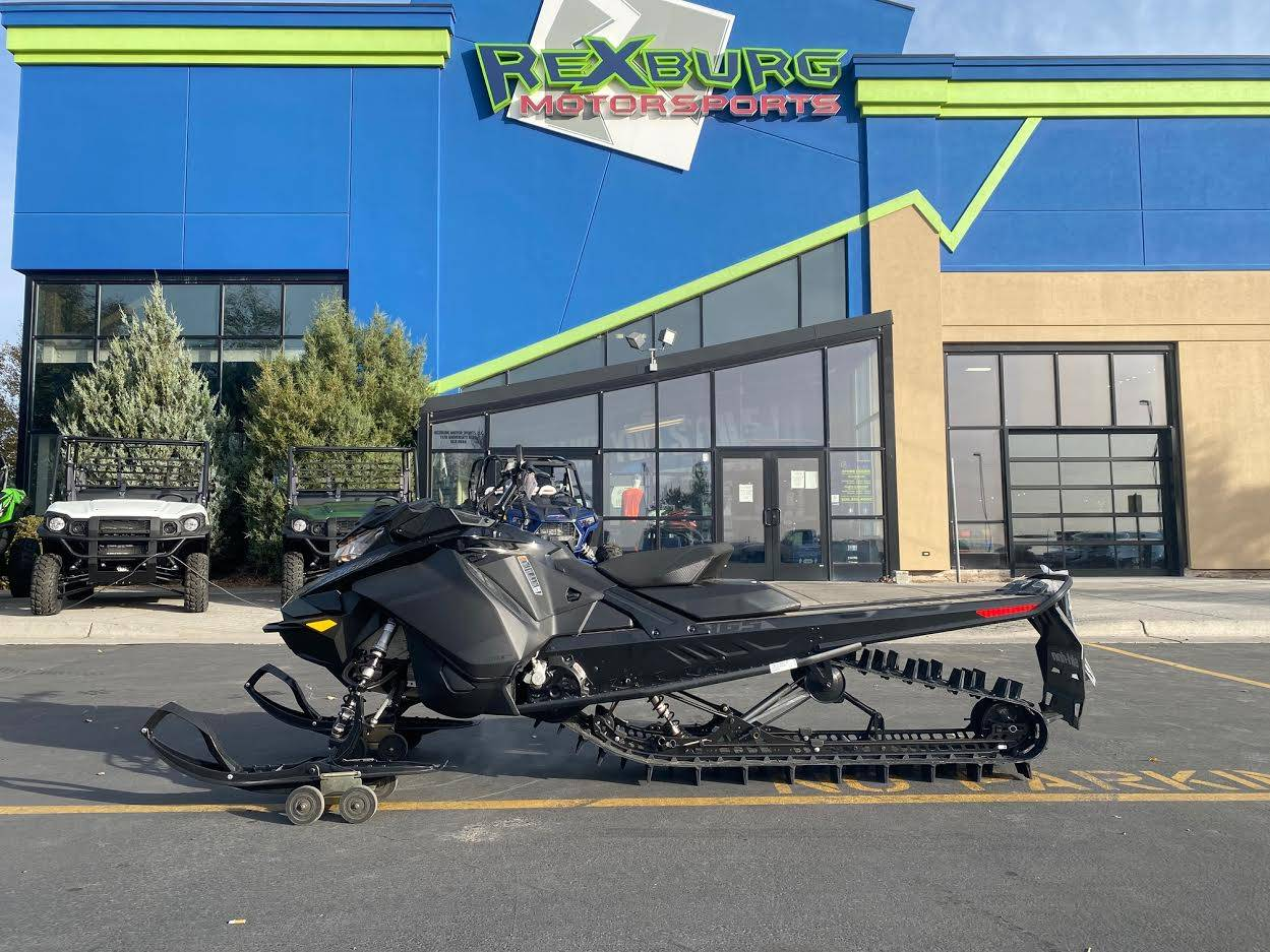 2021 Ski-Doo Summit SP 165 850 E-TEC SHOT PowderMax Light FlexEdge 3.0 in Rexburg, Idaho - Photo 1