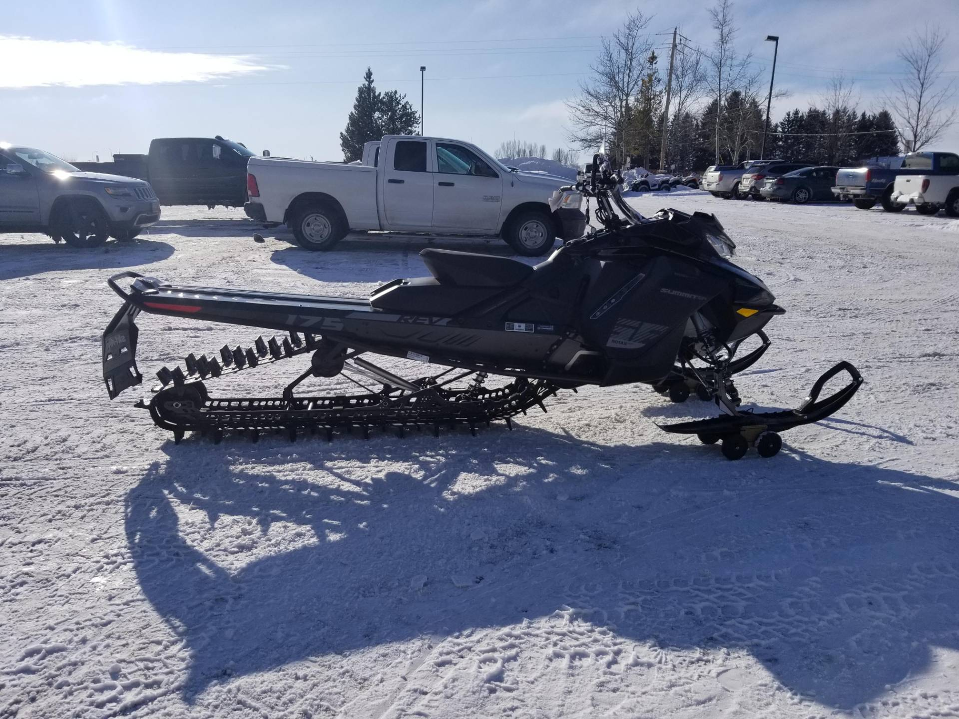 2020 Ski-Doo Summit SP 175 850 E-TEC SHOT PowderMax Light 3.0 w/ FlexEdge in Rexburg, Idaho - Photo 6