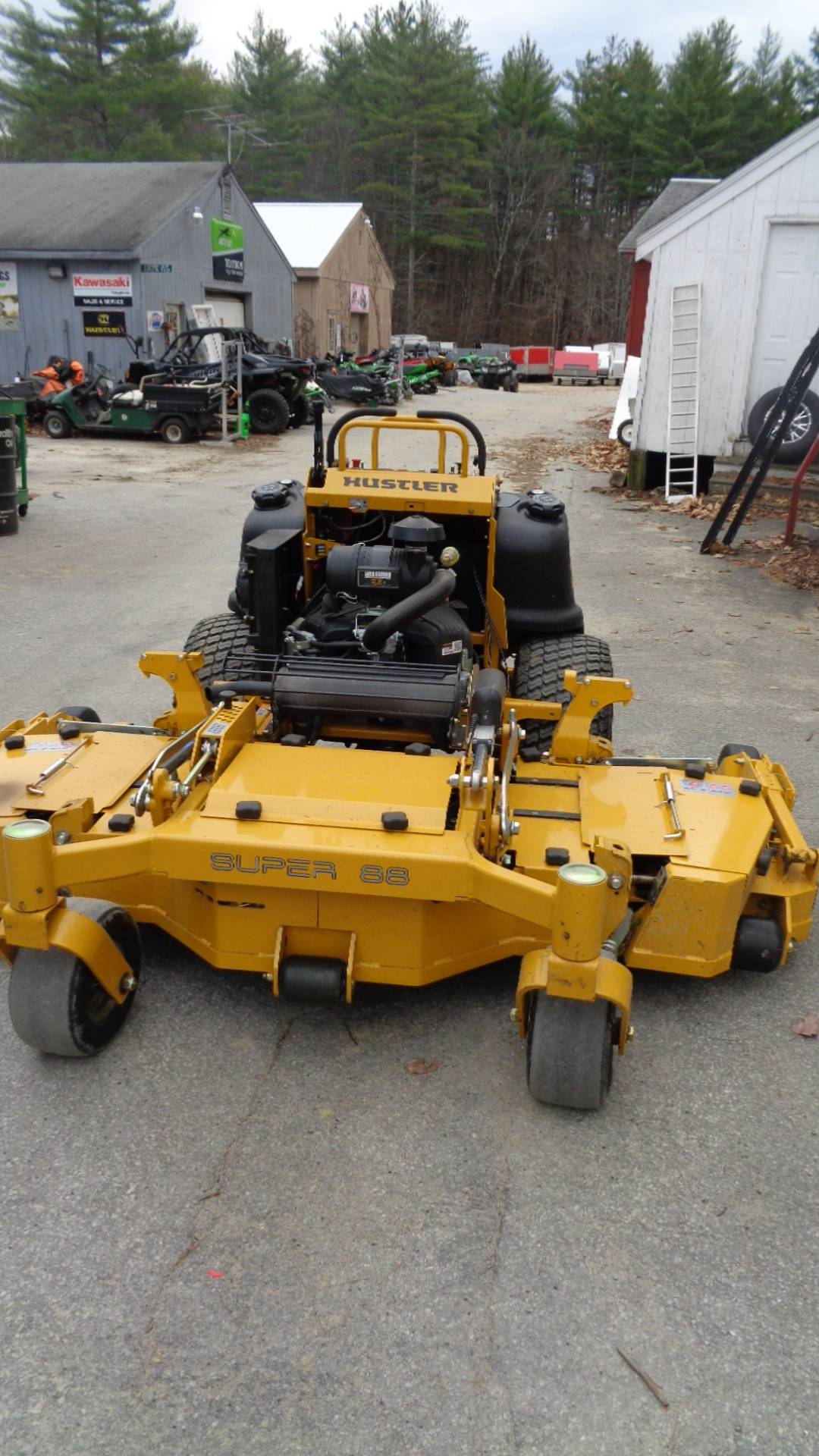 2020 Hustler Turf Equipment Super 88 in. Vanguard Big Block RD 36 hp in Hillsborough, New Hampshire - Photo 3