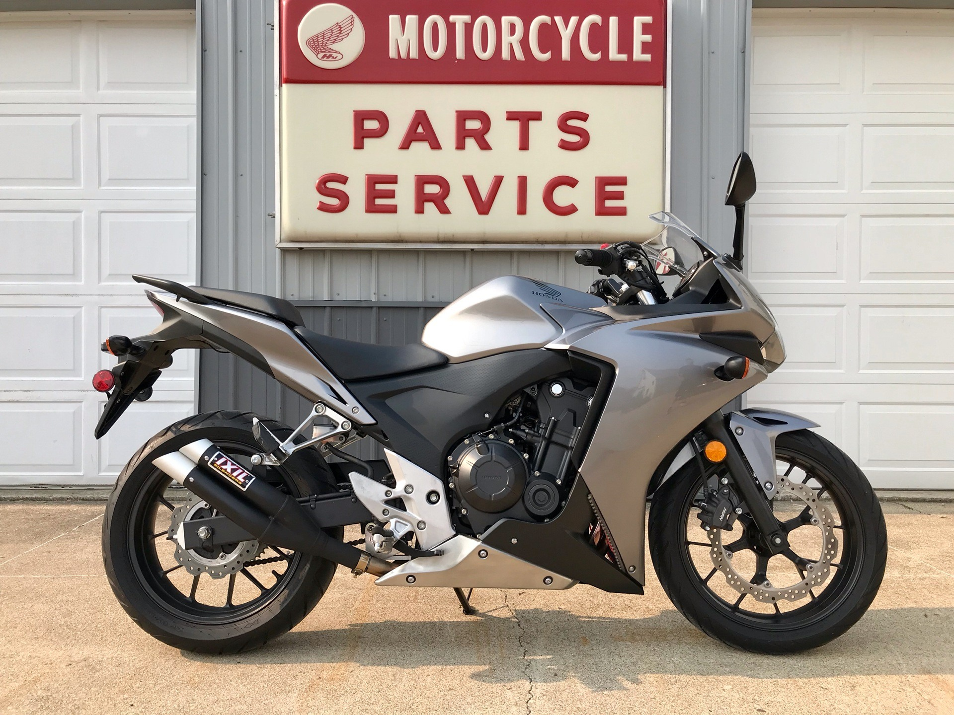 2015 Honda CBR®500R in Watseka, Illinois - Photo 1