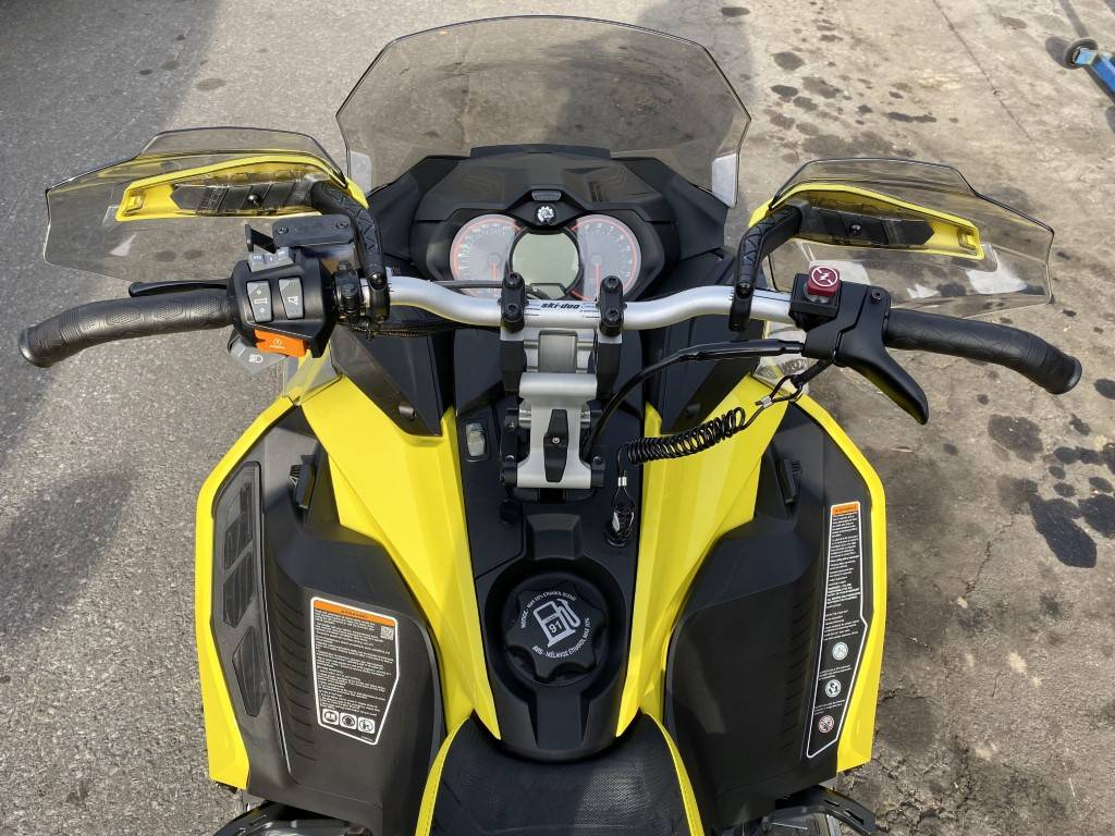 2019 Ski-Doo MXZ X 600R E-TEC Ice Ripper XT 1.25 in Hudson Falls, New York - Photo 2