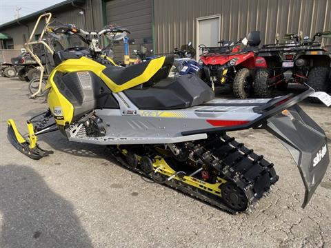 2019 Ski-Doo MXZ X 600R E-TEC Ice Ripper XT 1.25 in Hudson Falls, New York - Photo 3