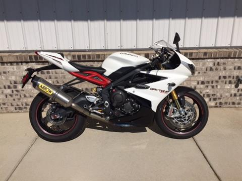 2013 Triumph Daytona 675R in Altoona, Wisconsin