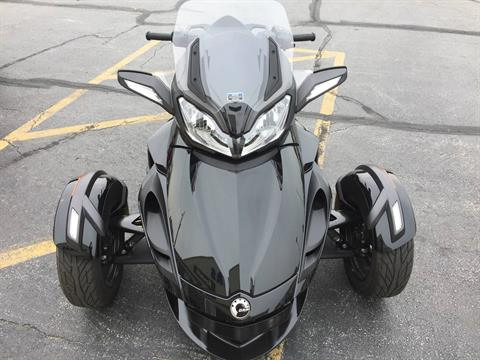 2014 Can-Am Spyder® ST-S SE5 in Valparaiso, Indiana