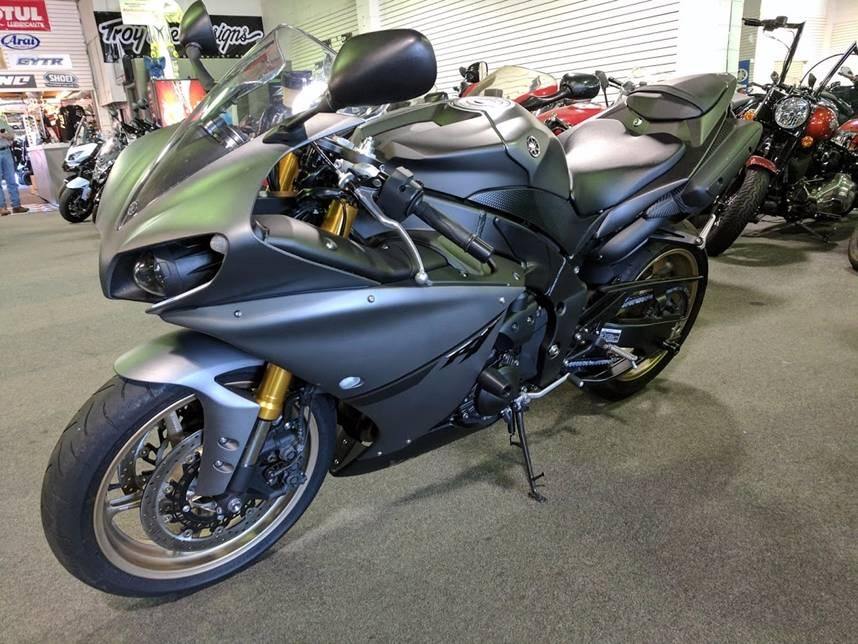 2014 Yamaha YZF-R1 2