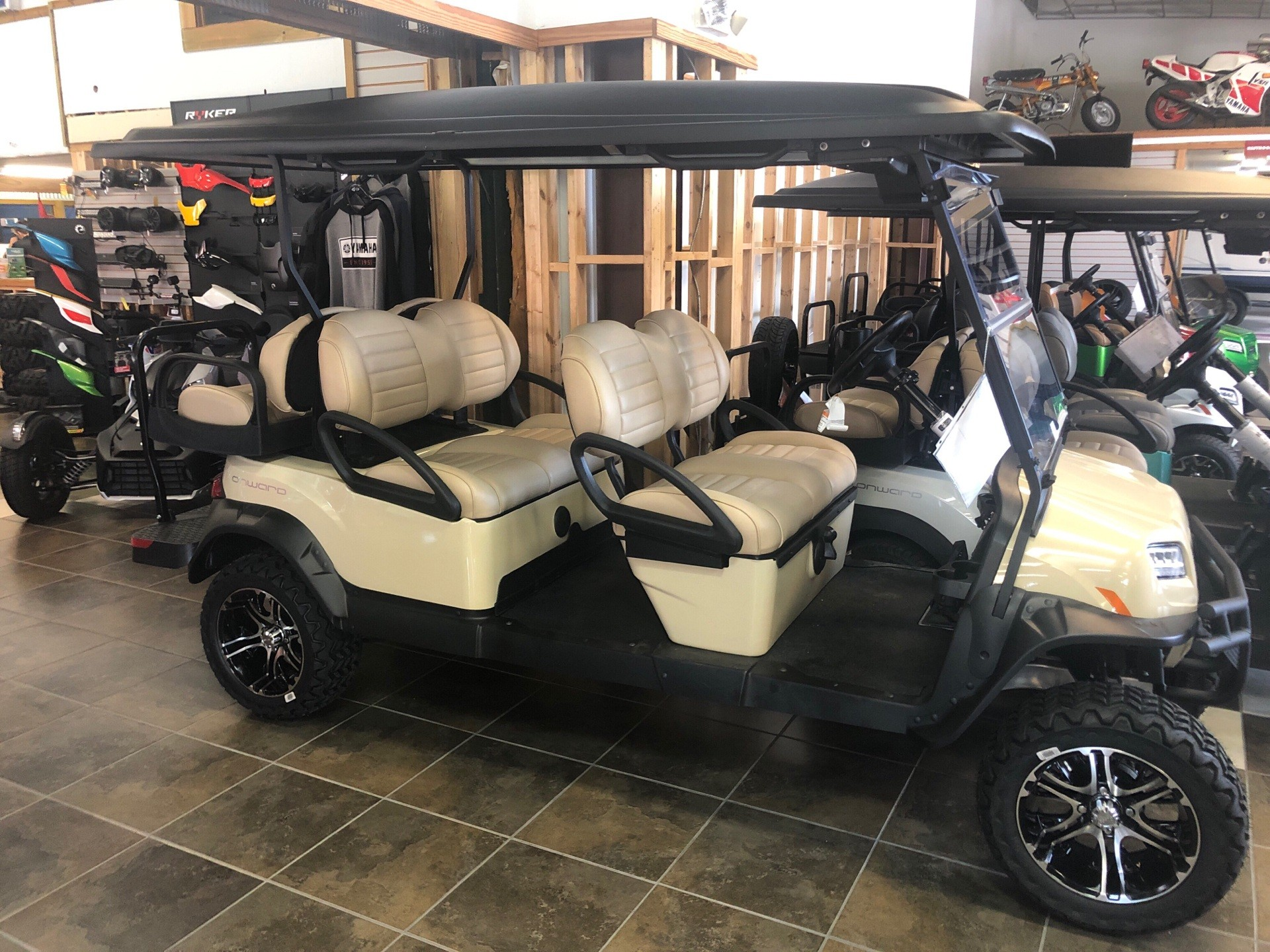 2019 Club Car Onward Lifted 6 Passenger Gas in Panama City, Florida - Photo 2