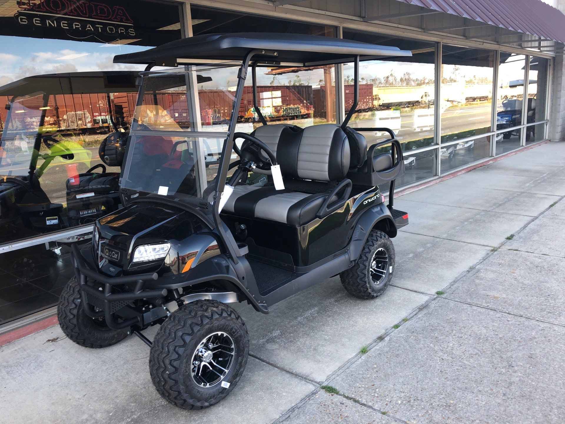 2019 Club Car Onward Lifted 4 Passenger Gasoline in Panama City, Florida - Photo 3