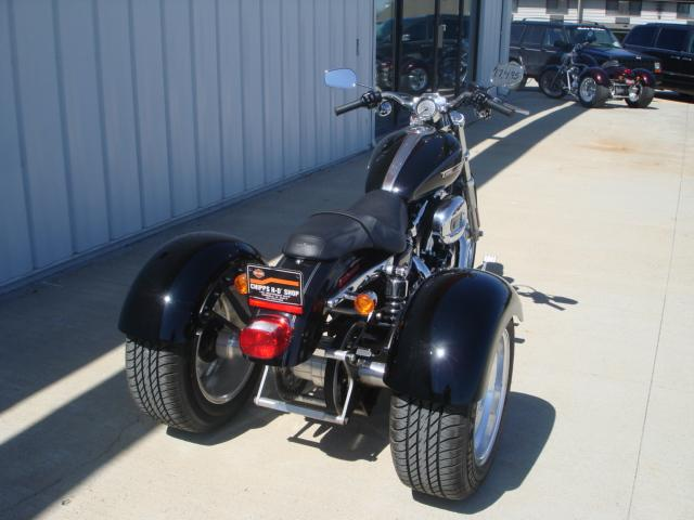 2010 Harley-Davidson XL1200C/TRIKE in Osceola, Iowa - Photo 2