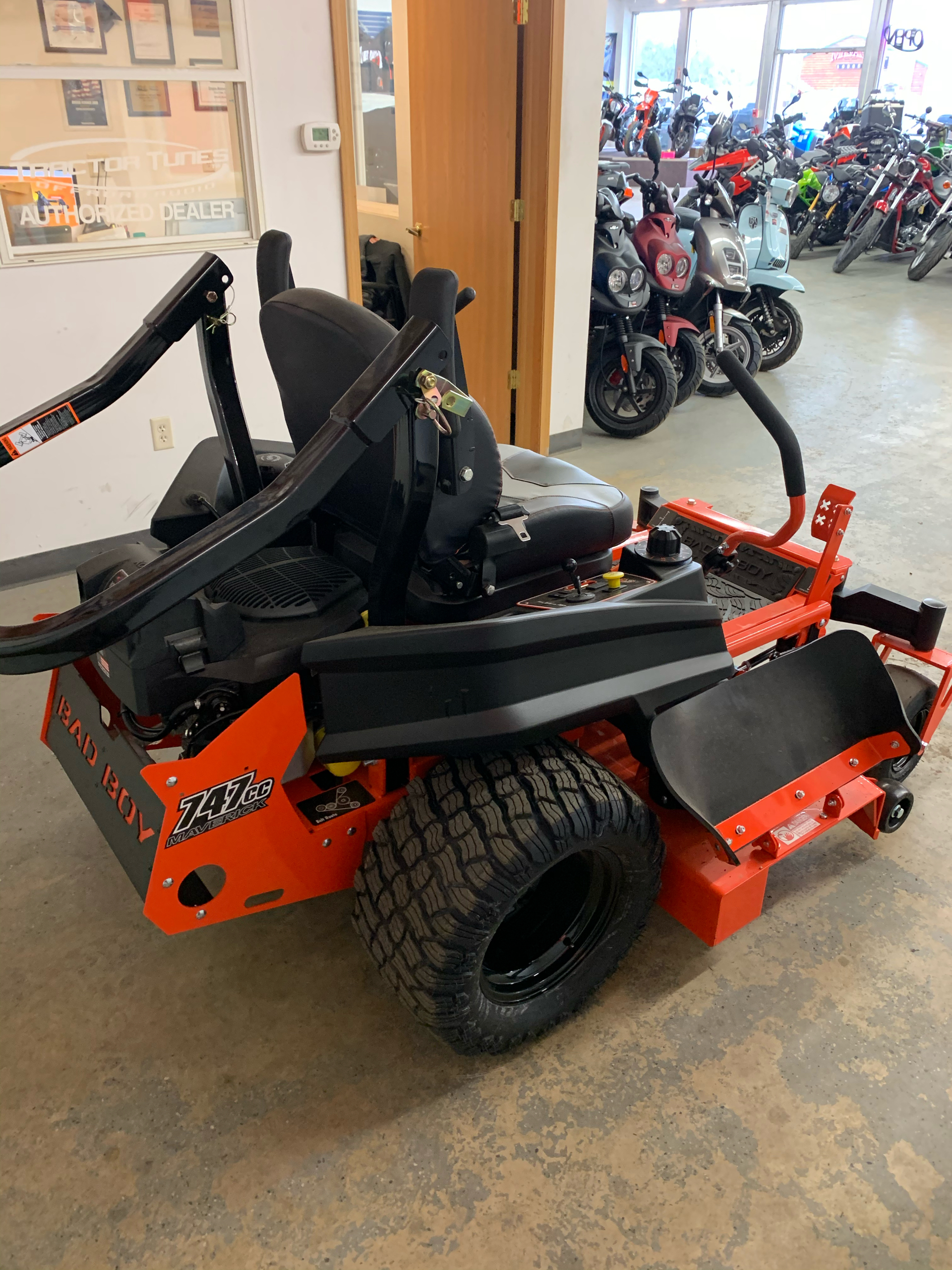 2021 Bad Boy Mowers Maverick 54 in. Kohler Confidant 747 cc in Sioux Falls, South Dakota - Photo 5