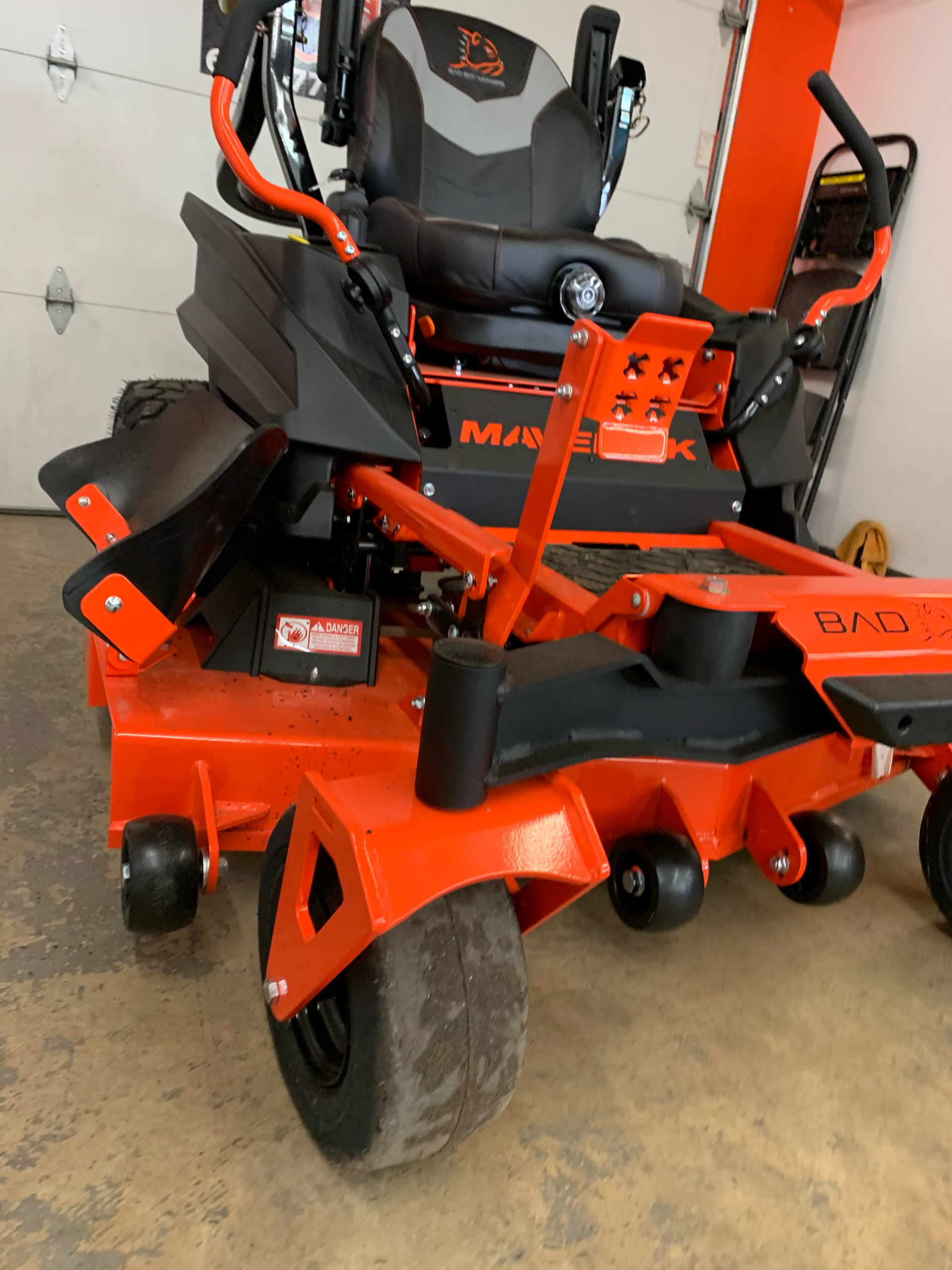 2021 Bad Boy Mowers Maverick 54 in. Kohler Confidant 747 cc in Sioux Falls, South Dakota - Photo 7