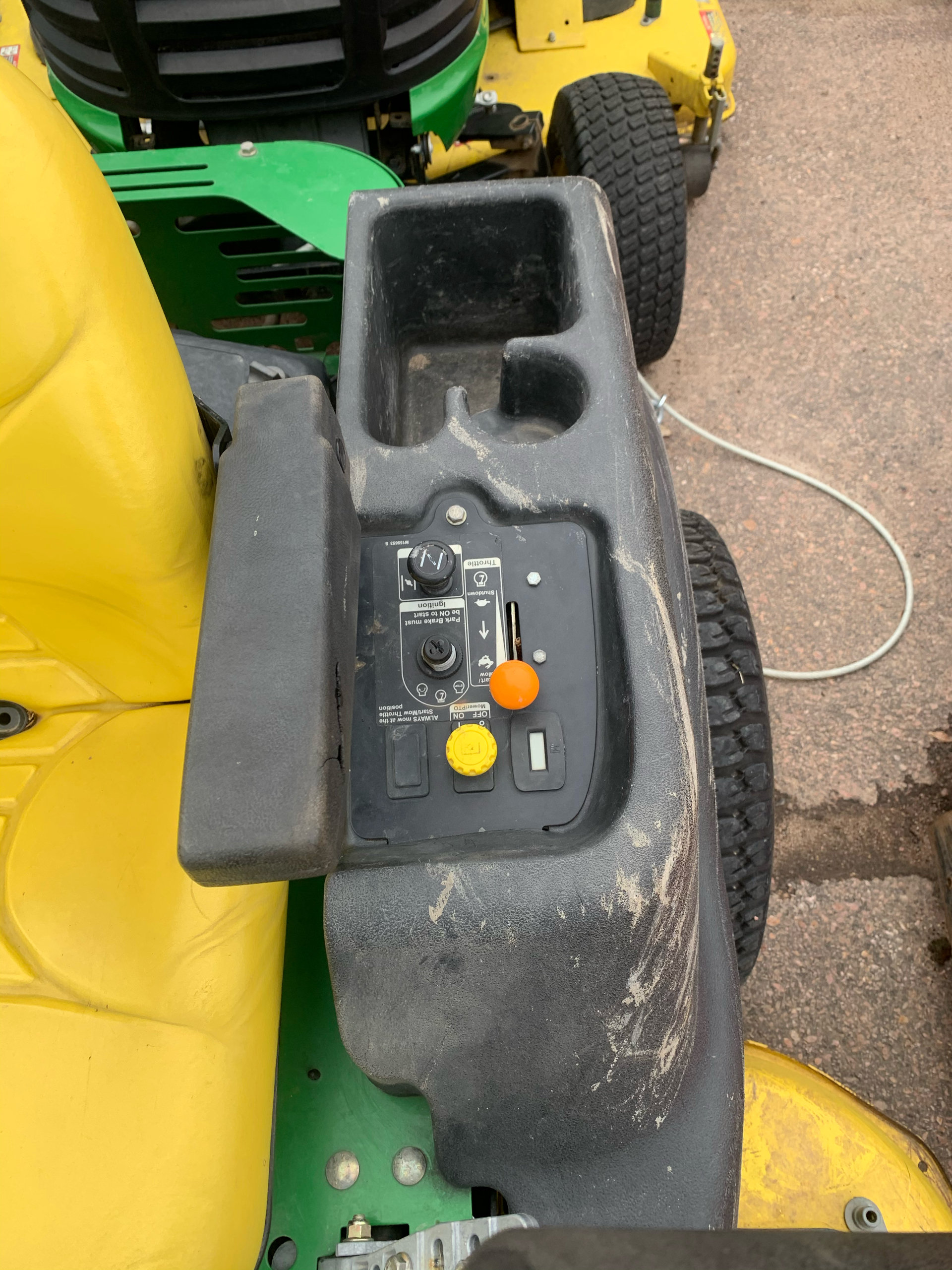2008 John Deere Z445 54C in Sioux Falls, South Dakota - Photo 5