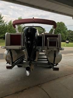 2016 Avalon Catalina Rear Lounger 25 in Waxhaw, North Carolina