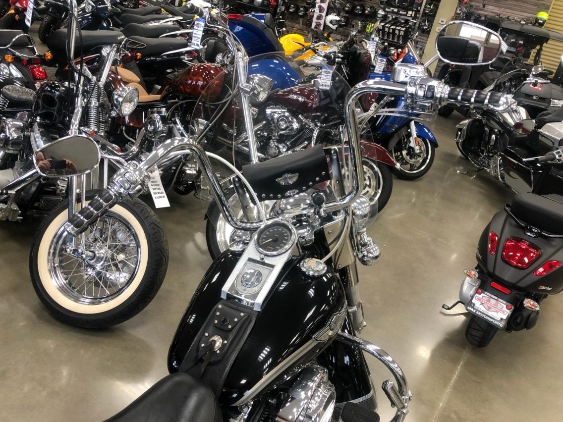 2003 Harley-Davidson FLSTC/FLSTCI Heritage Softail Classic 2
