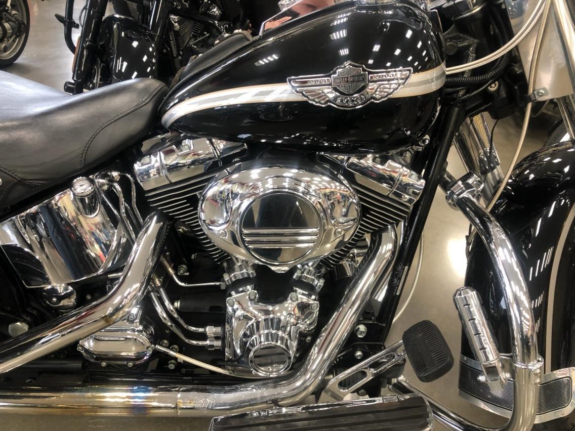 2003 Harley-Davidson FLSTC/FLSTCI Heritage Softail Classic 3
