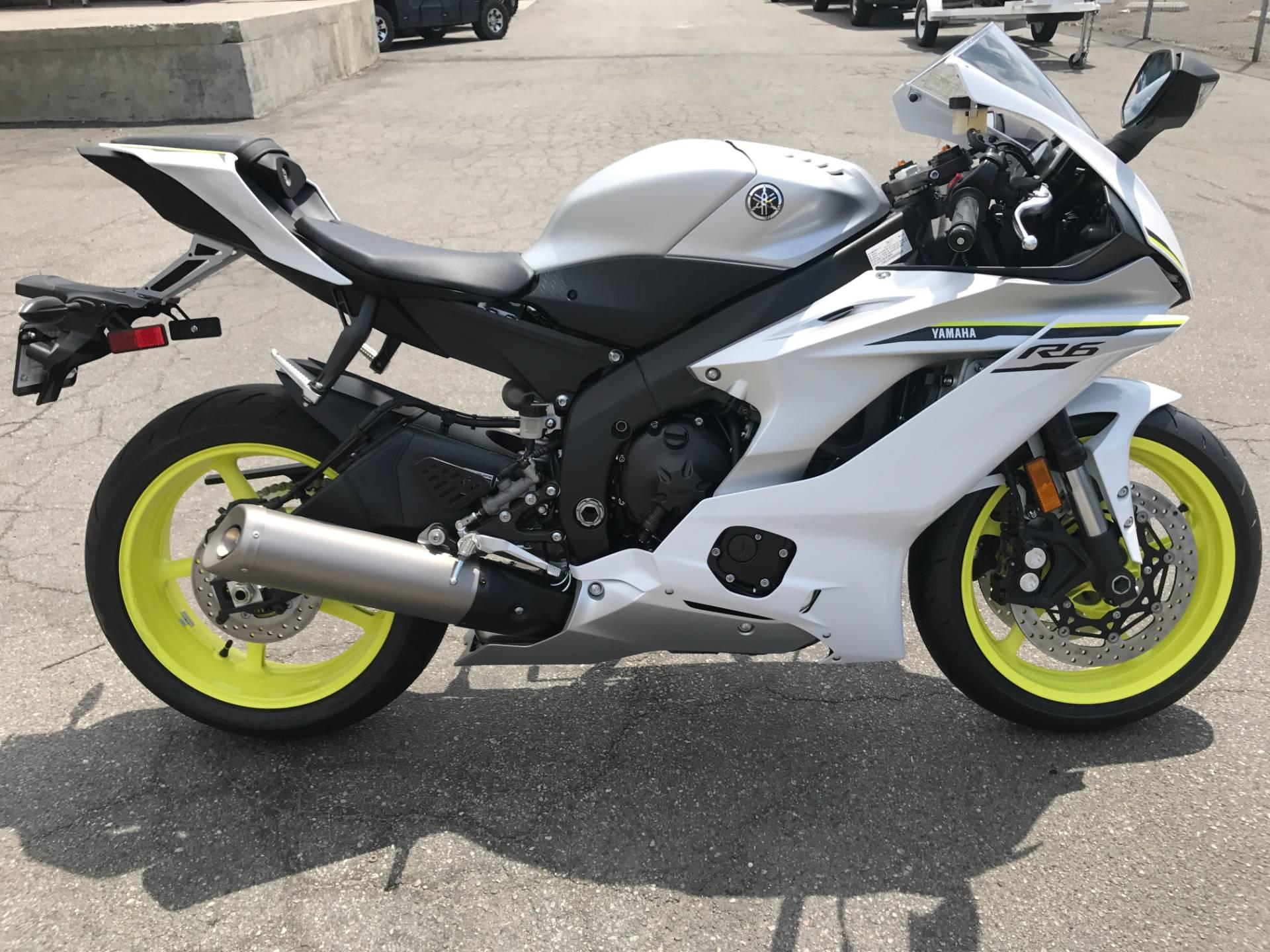 2017 Yamaha YZF-R6 1