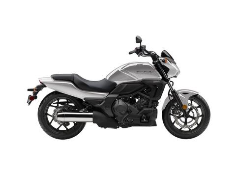 2016 Honda CTX700N DCT ABS in Fontana, California