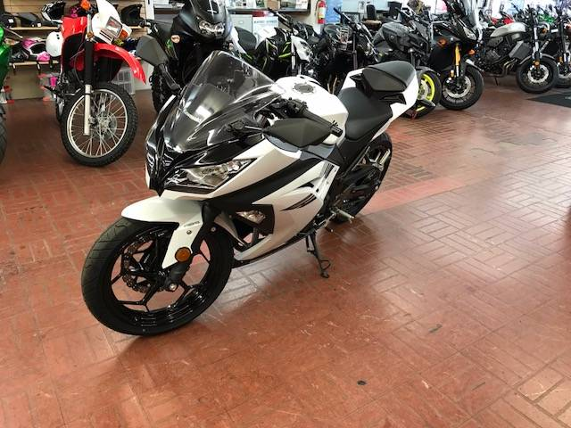 2017 Kawasaki Ninja 300 ABS in Fontana, California