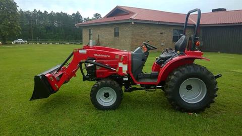 Mahindra 1526 SHUTTLE TRACTOR & LOADER in Pound, Virginia