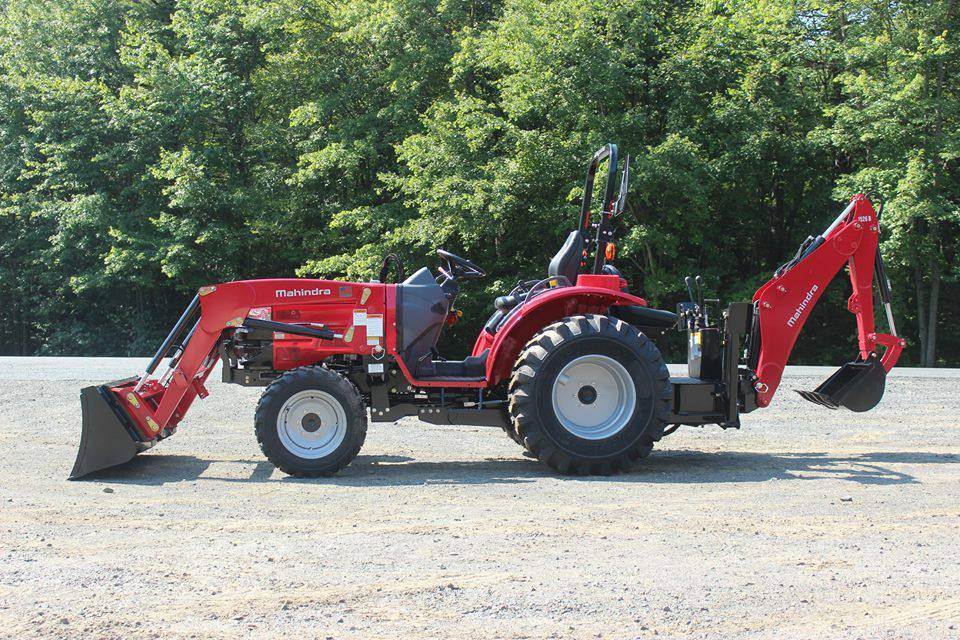 2018 Mahindra 1526 HST TRACTOR, LOADER & BACKHOE in Pound, Virginia