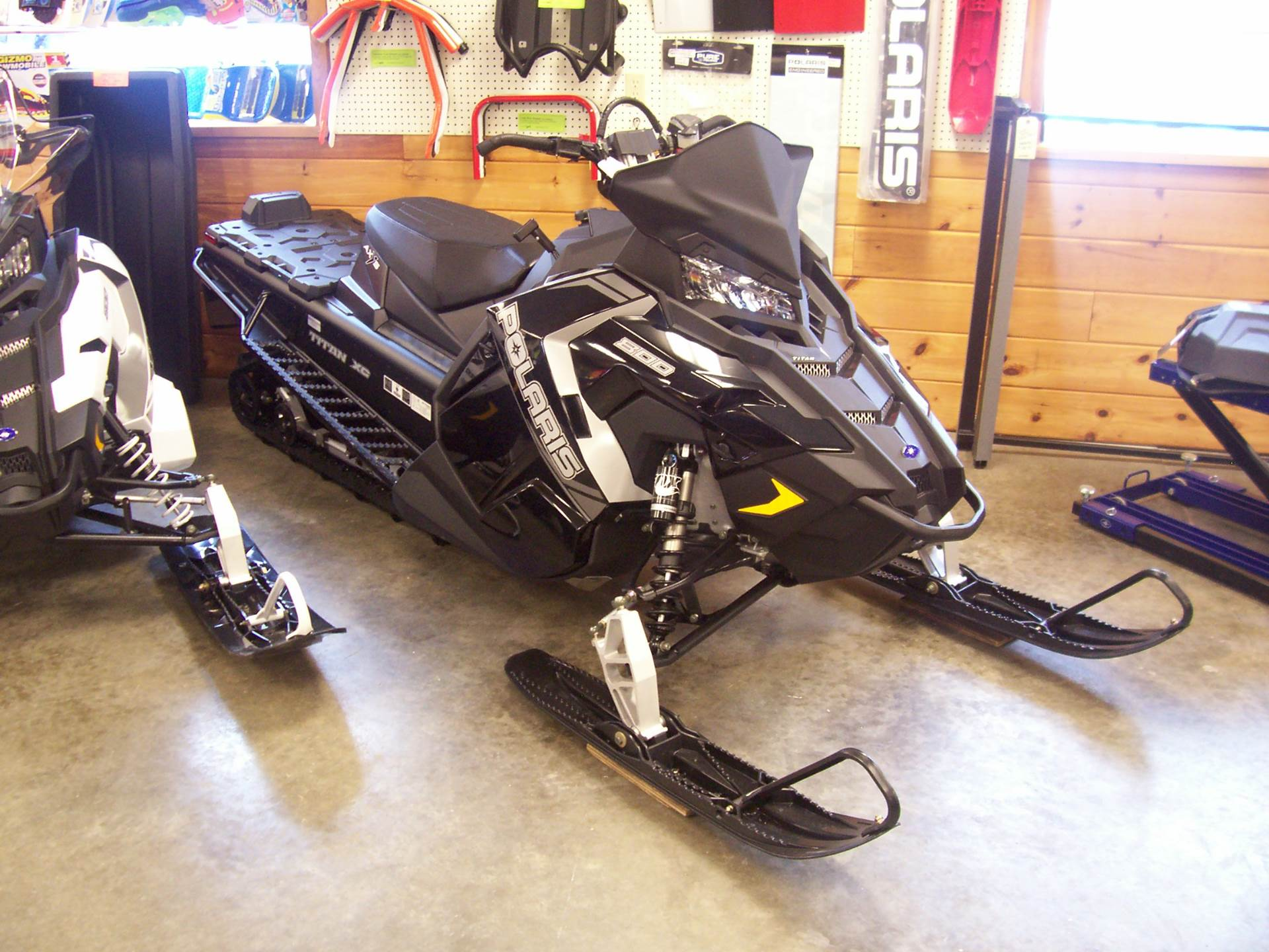 2018 Polaris 800 Titan XC 155 in Center Conway, New Hampshire